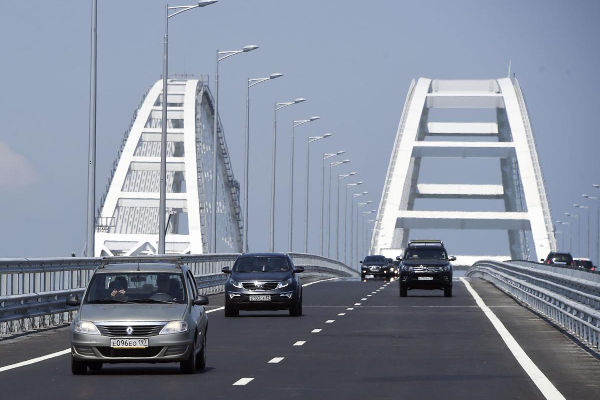 Crimea Bridge Crossing open